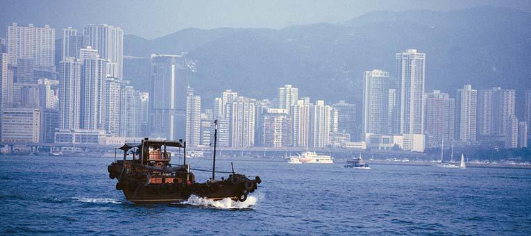 hong-kong-boat