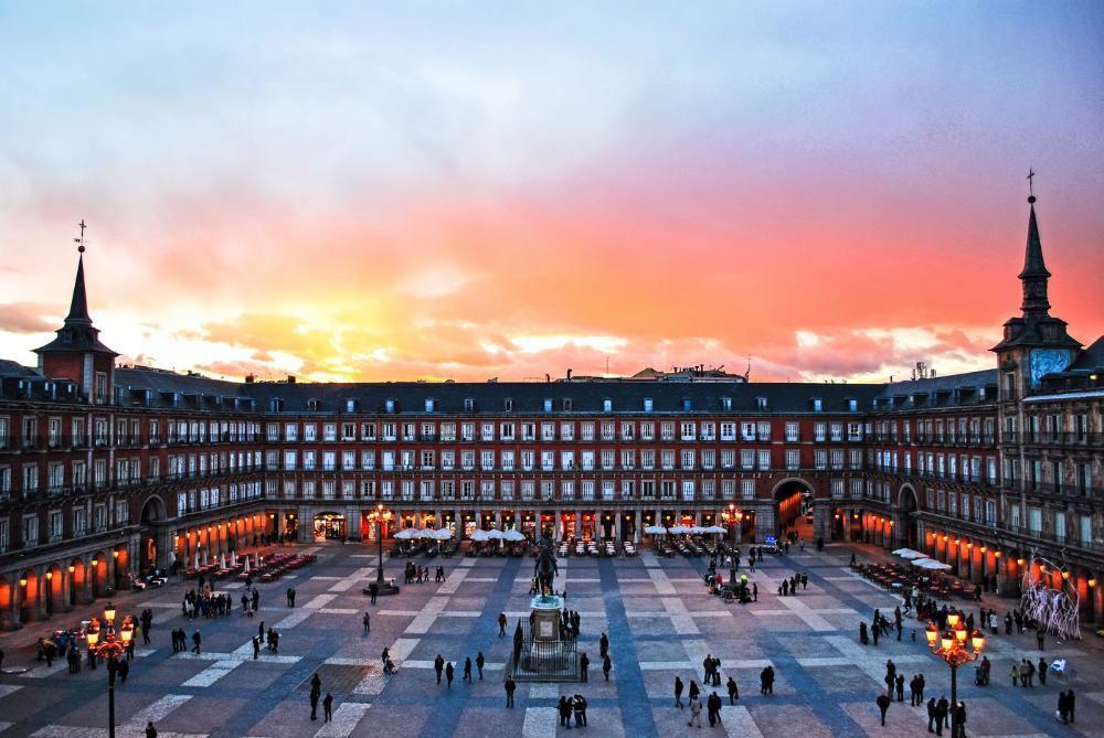 Listing Pic - Madrid